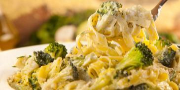 Spaghetti cztery sery z brokułami