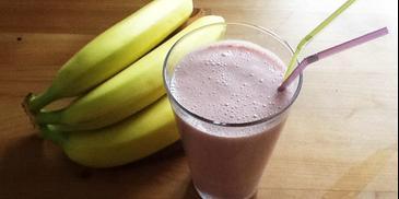 Koktajl bananowo-truskawkowy