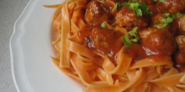 Pulpeciki mięsne z sosem bolońskim