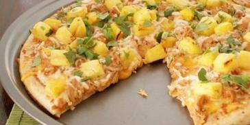 Pizza z kurczakiem i ananasem