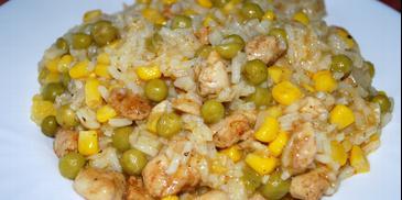 Risotto z kukurydzą, groszkiem i kurczakiem