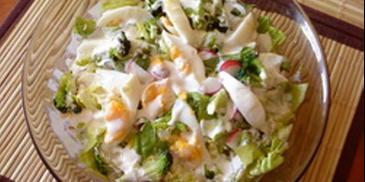 Sałatka z jajkiem i brokułami