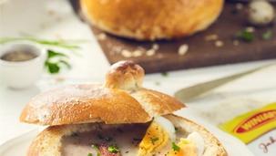 Świąteczny żurek w chlebie