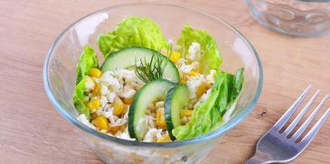 Sałatka kalafiorowa z kukurydzą