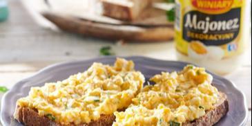 Pasta jajeczna z serkiem topionym i pietruszką