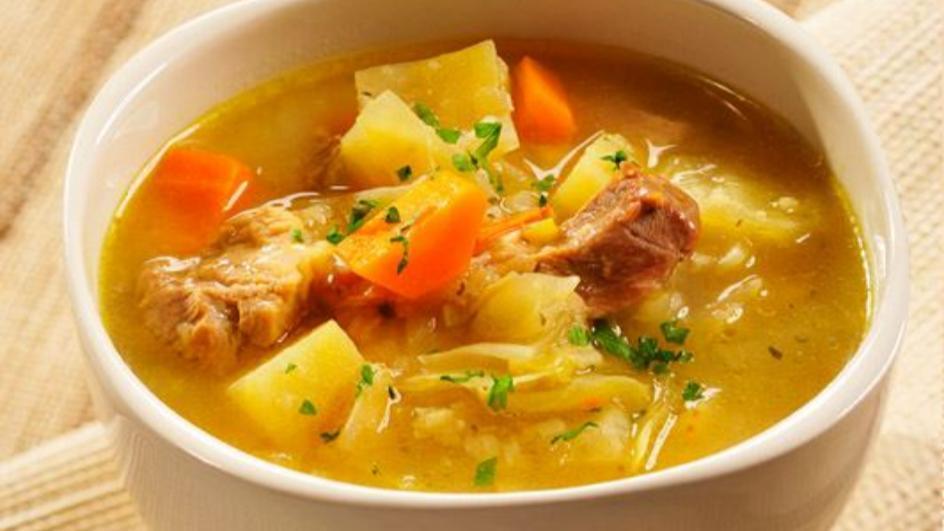 Zupa warzywna z mięsem