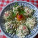Sałatka z ryżu i gotowanego mięsa
