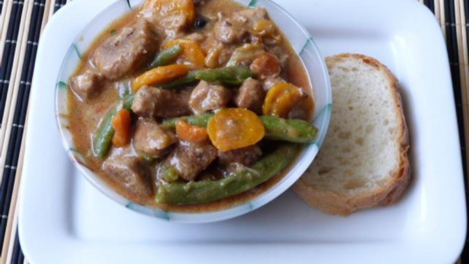 Wieprzowina w sosie z fasolką szparagową