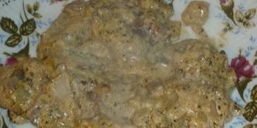 Wątróbka z królika w sosie śmietanowym