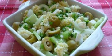 Sałatka z kaszą jaglaną i mozzarellą