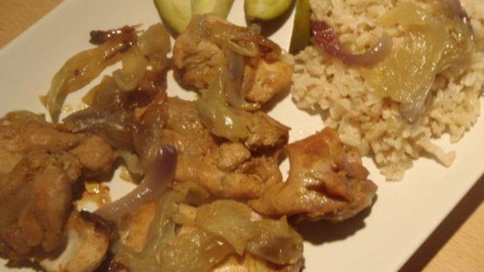 Filety z udek z kurczaka w cebuli
