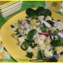 Sałatka z kaszą jaglaną i świeżym szpinakiem