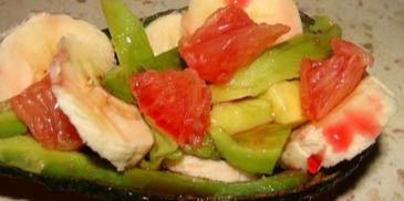 Owocowa sałatka z awokado