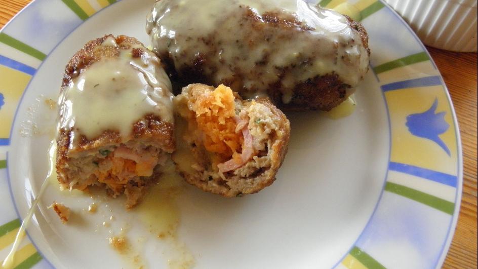 Roladki z mięsa mielonego w sosie musztardowym
