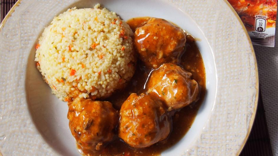 Pulpeciki mięsne z kaszą jaglaną i sosem myśliwskim