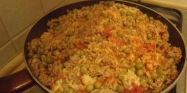 Potrawka z mięsa mielonego z ryżem