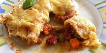 Cannelloni z mięsem mielonym i warzywami po meksykańsku