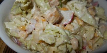 Sałatka z kurczakiem i surimi