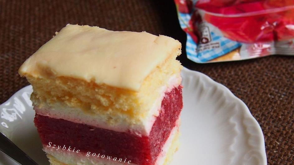 Ciasto biszkoptowe z mascarpone i truskawkami