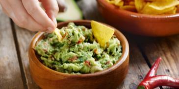 Domowe guacamole – pasta z awokado