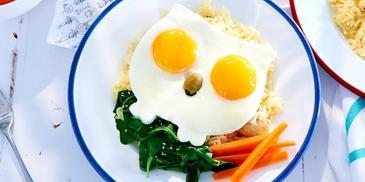Ryż z indykiem i jajkiem sadzonym