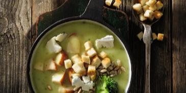 Zupa brokułowa z serem i słonecznikiem