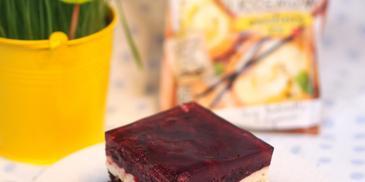 Ciasto czekoladowe z masą budyniową i owocami leśnymi