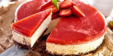 Ciasto z musem truskawkowym bez pieczenia