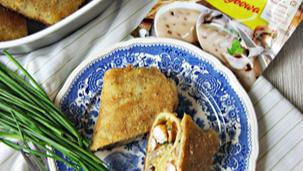 Grzybowe krokiety z kurczakiem, szczypiorkiem, natką pietruszki i żółtym serem