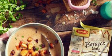 Barszcz biały na warzywnym bulionie z grzybami oraz pieczonymi warzywami z wędzoną papryką