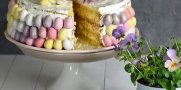 Kruchy tort mazurkowy na Wielkanoc
