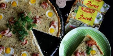 Tarta żurkowa z przepiórczymi jajkami i boczkiem ( jajka w masie żurkowej)