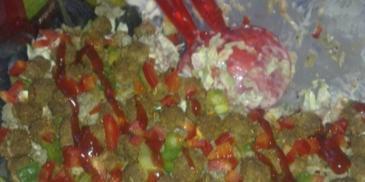 Sałatka gyros z mięsa mielonego