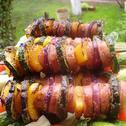 Kolorowe szaszłyki z grilla