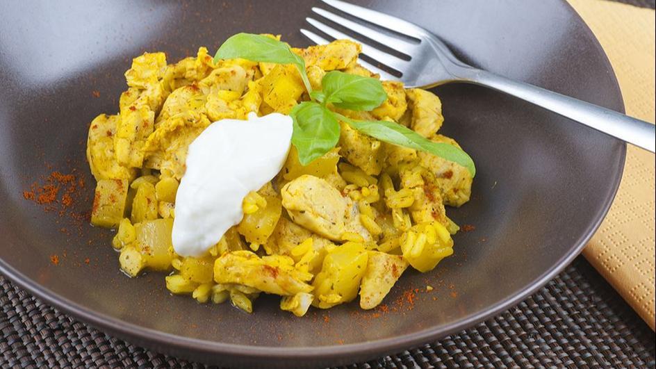 Kurczak z ryżem i ananasem