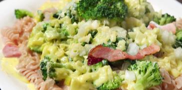 Świderki z brokułem i szynką