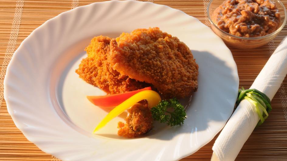 Kurczak w czosnkowej panierce z dipem miodowo-musztardowym