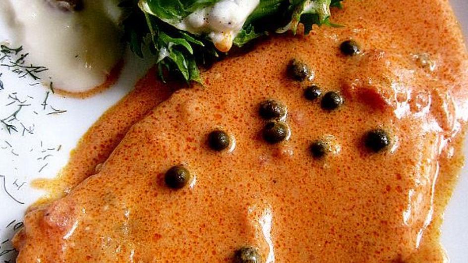 Eskalopki z indyka w sosie pomidorowo-serowym