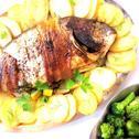 Dorada pieczona z ziemniakami