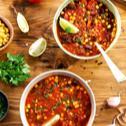 Pikantna zupa meksykańska z mięsem mielonym