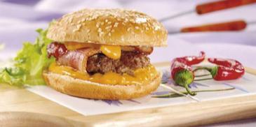 Hamburgery z chrupiącym boczkiem