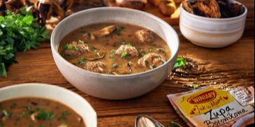 Zupa borowikowa z klopsikami
