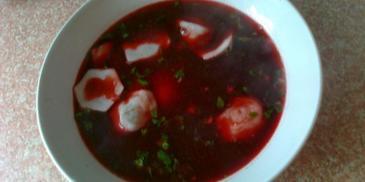 Barszczyk czerwony z soku z buraków