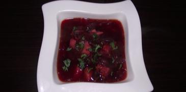 Zupa buraczkowa z czerwoną fasolą