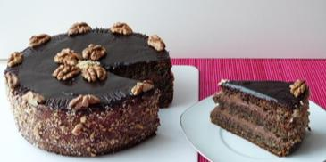 Tort makowy z orzechową masą