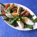 Sałatka z rukoli, pomidorów i jajek