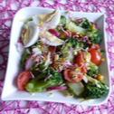 Sałatka z brokuła z kiełkami rzodkiewki