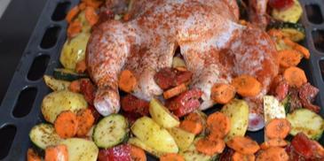 Kurczak pieczony w całości z warzywami