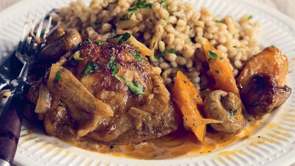 Podudzia kurczaka z marchewką i pieczarkami