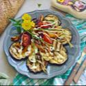 Sałatka z grillowanych warzyw z sosem czosnkowym WINIARY
